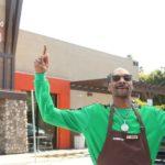 Снуп Дог презентовал новый веганский сэндвич в Лос-Анджелесе