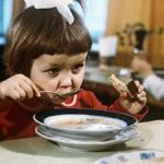 Воспоминания о детском саде в 90-х: как нас терзали едой